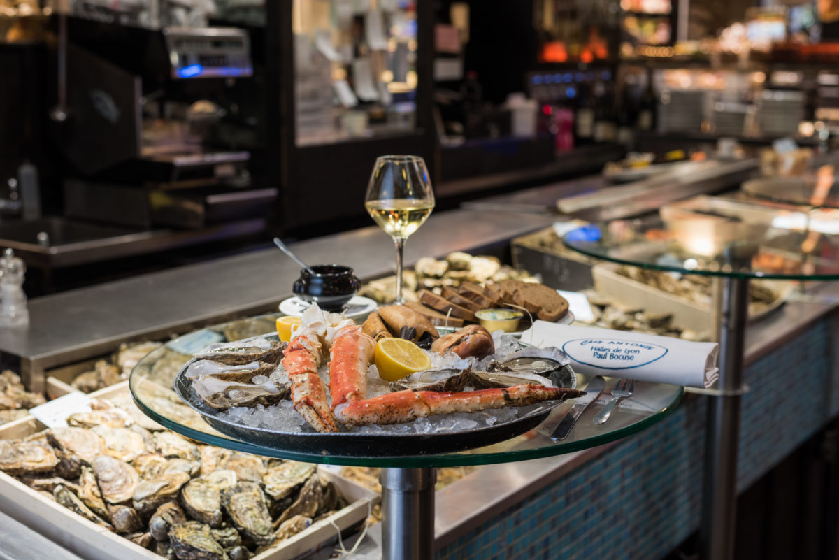 海鲜拼盘 - 帝王蟹和牡蛎
